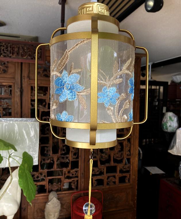 お花刺繍のシノワズリーペンダントランプ/GOLD