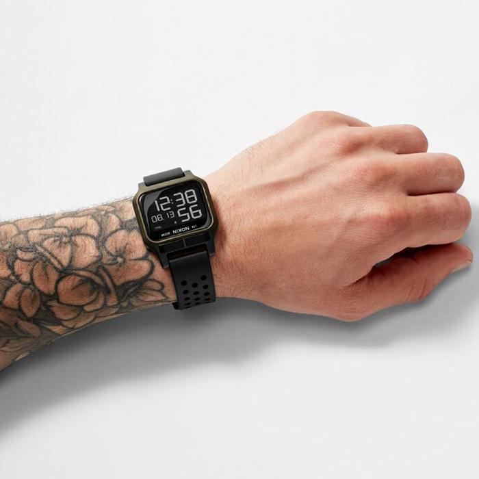 NIXON ニクソン 腕時計 THE HEAT - Surplus - A1320-1085 ヒート サープラス デジタル時計 100M/10気圧防水 メンズ サーフィン アウトドア 誕生日 クリスマス プレゼント
