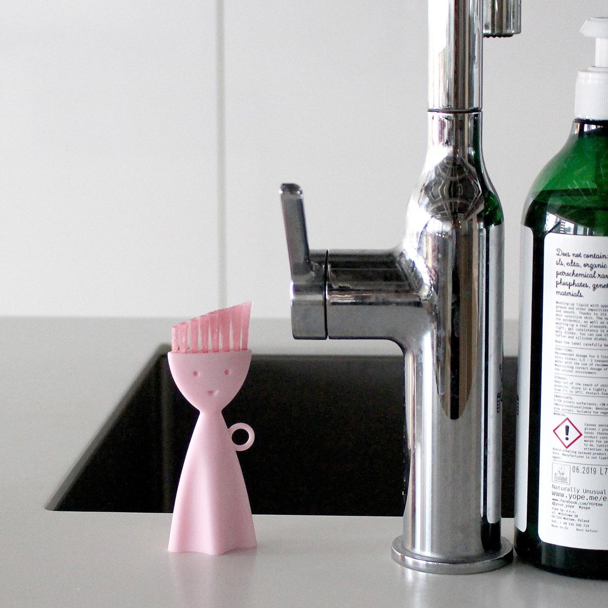 お弁当箱洗いブラシ K187