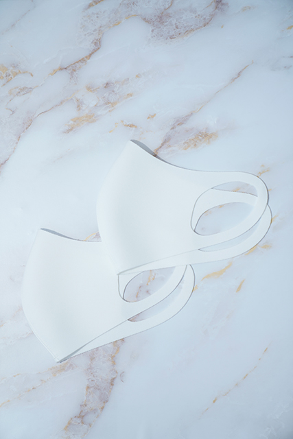 WHITE MASK / GRAY MASK