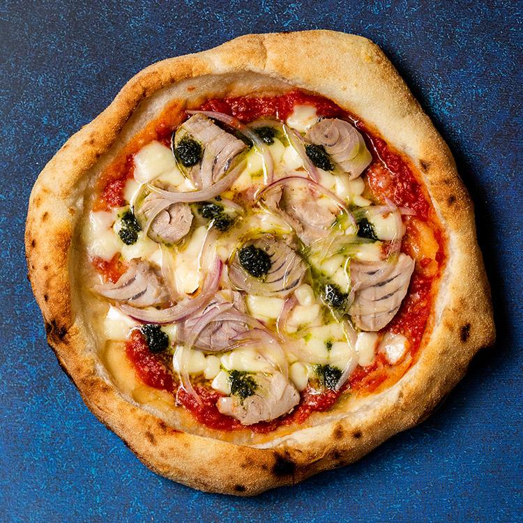 トンノ エ チポッラ(自家製ツナのマルゲリータピザ)