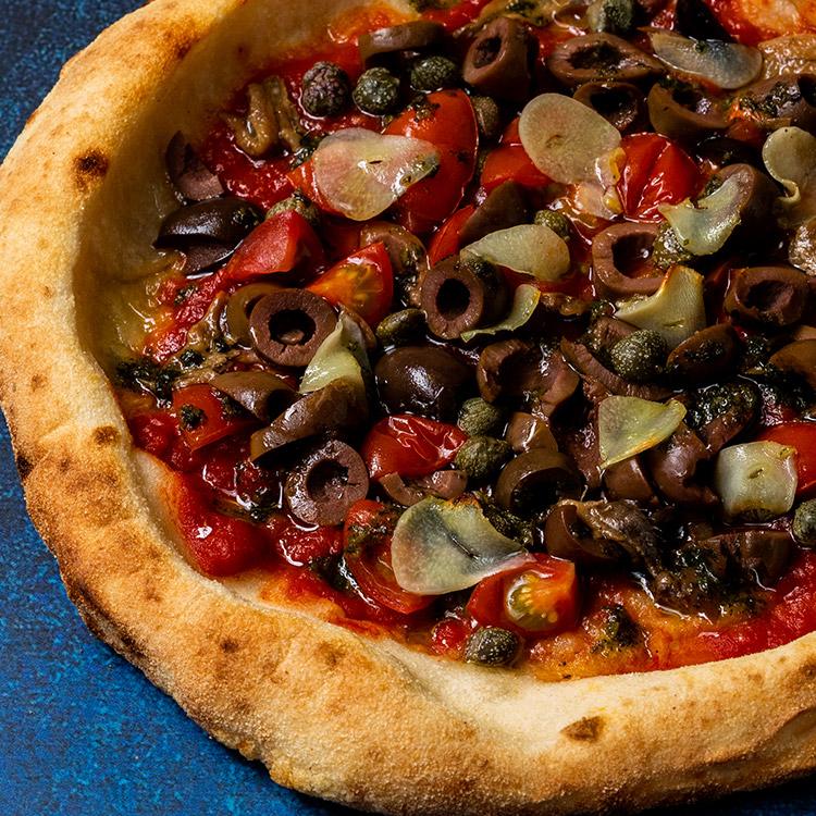 プッタネスカ(オリーブとアンチョビとケッパーのピザ)
