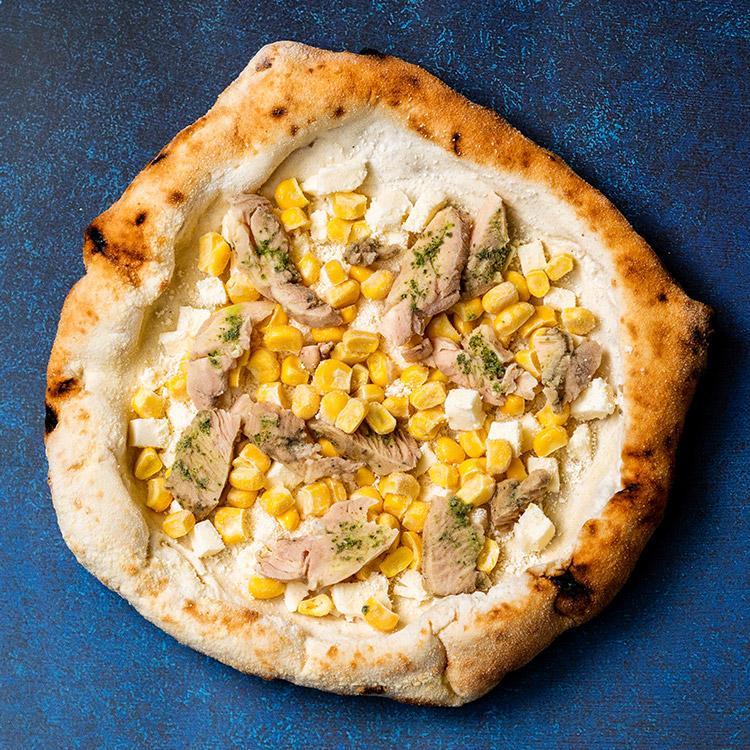 マイス エ ポッロ アル バジリコ(北海道産コーンとバジルチキンのピザ)