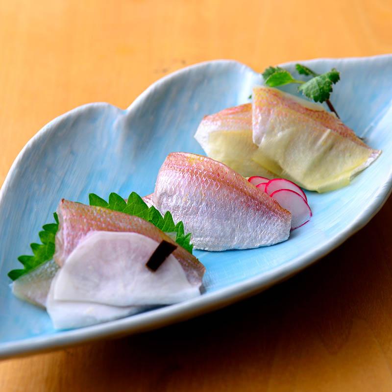 小鯛三題(小鯛・小鯛昆布〆・千枚小鯛)
