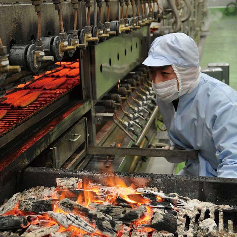 【送料無料】鹿児島県産 うなぎ蒲焼き 地焼き 約160g×2尾 (タレ、山椒付き)