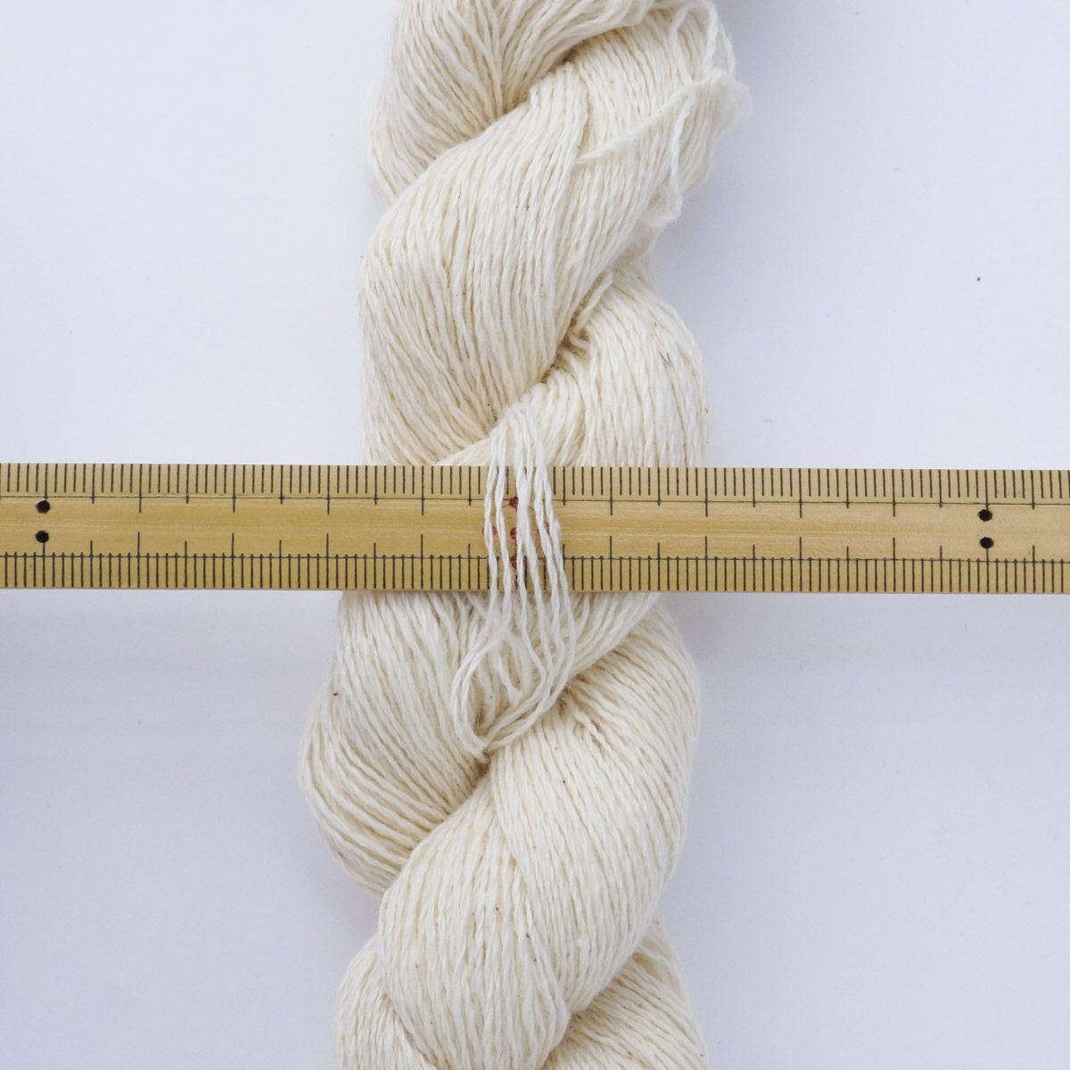 ガラ紡糸 317/2細番手糸 生成 20g