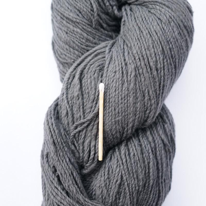 手つむぎ糸|417/2 カラー60色 消炭色