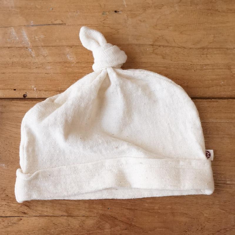 蒸れにくい手つむぎコットンで、そっと包みこむ。|ベビーニットキャップ