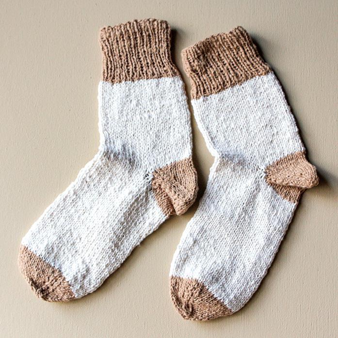 手つむぎ糸の手編みキット 靴下