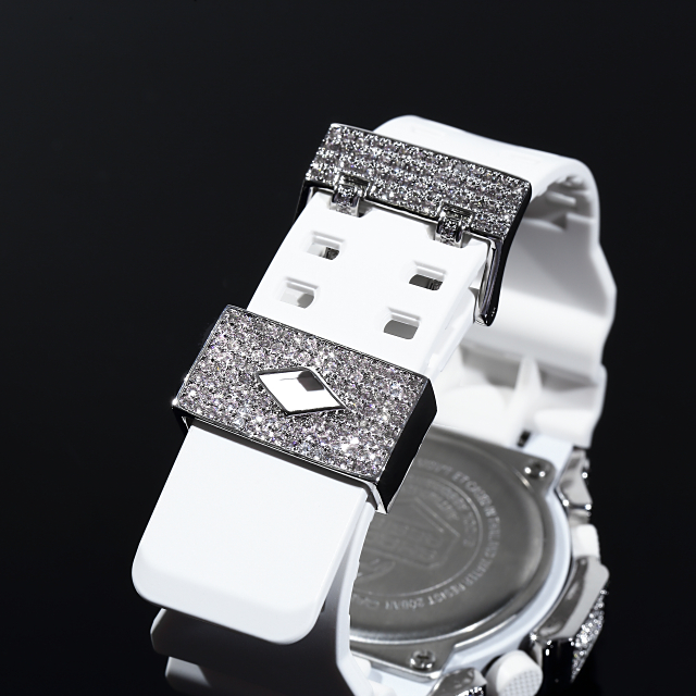 G-SHOCK カスタム GA110 ホワイトベルト カスタムGショック 大粒CZダイヤベゼル(キュービックジルコニア) カスタムバックル/尾錠付 ホワイトゴールド