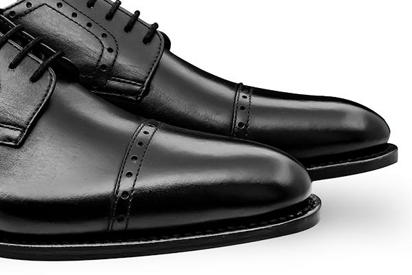 革靴 ストレートチップ外羽根 HUGO ヒューゴ ブラック グッドイヤーウェルト