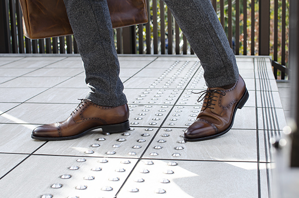 革靴 ストレートチップ外羽根 HUGO ヒューゴ コニャック ブラウン グッドイヤーウェルト