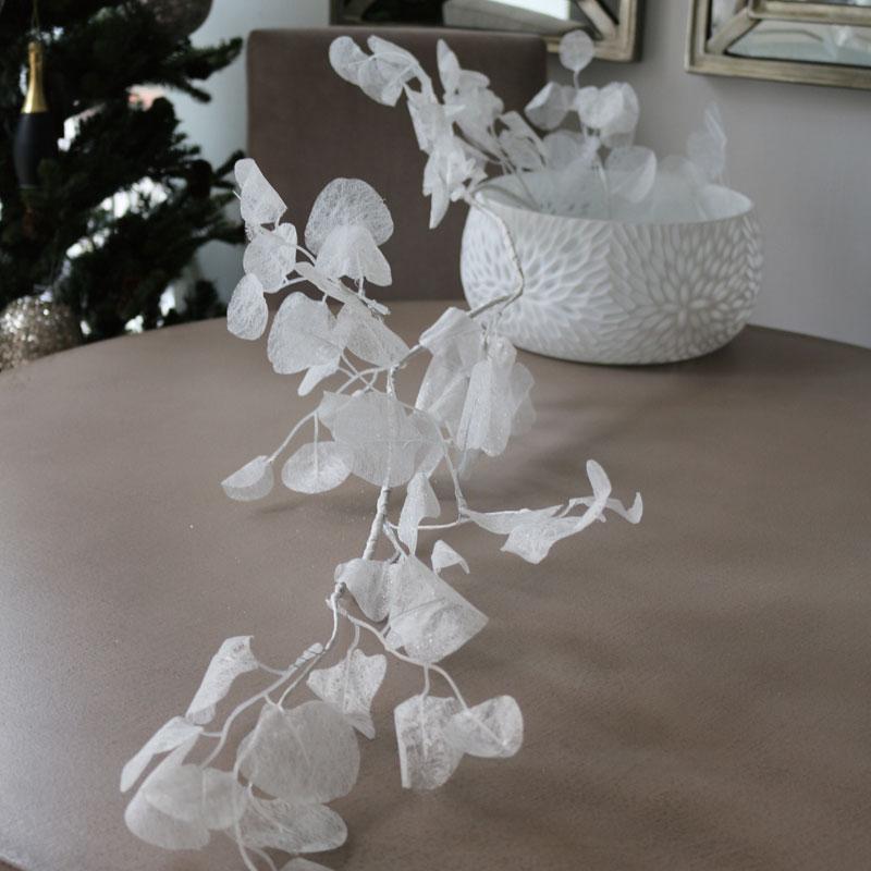 ガーランドホワイトリーブス