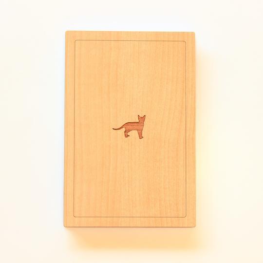 木でできた御朱印帳「福猫」