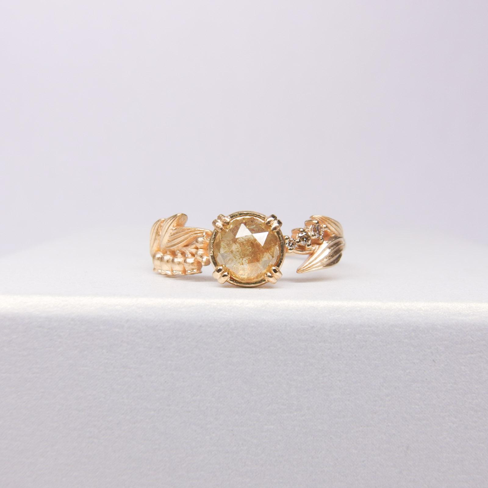 ローズカットダイヤモンドリング(アーム:スズラン、K18YG)