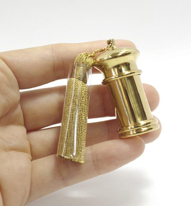 手元供養・携帯も可能な分骨ミニ骨壷 クラウン C-3