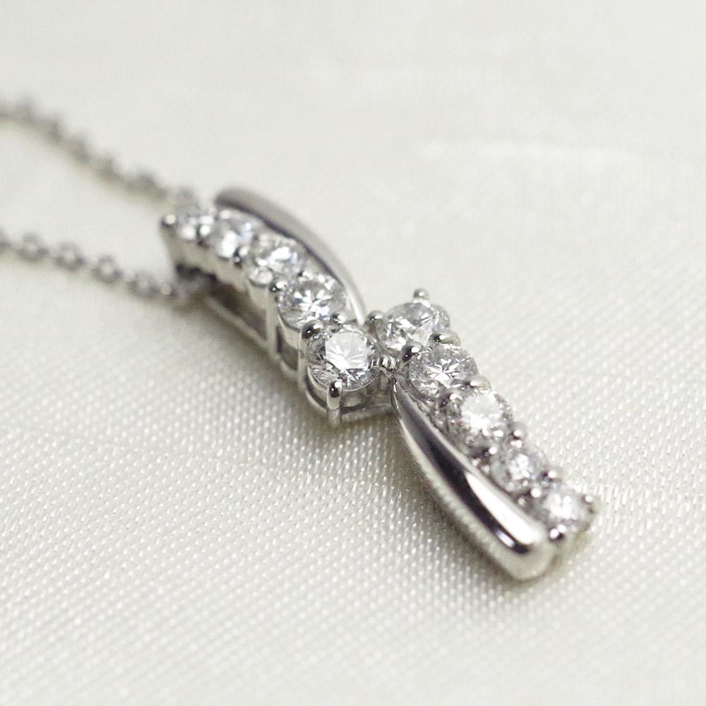 [遺骨ペンダント・樹脂タイプ完全防水]  メモリアルジュエリーMS11 【K10WG/計0.5ctのダイヤ10石留めた豪華なデザイン】