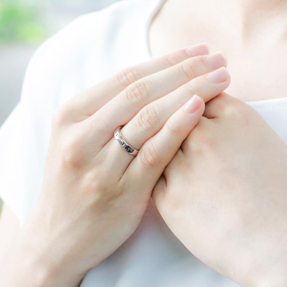 メモリアルリングMR13 地金:K10WG (10Kホワイトゴールド) 〜遺骨を内側にジェル封入する完全防水の指輪〜