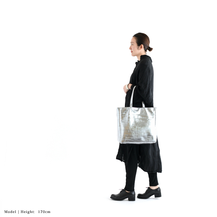 les basiques レバシック/JESS BAG ジェスバッグ<br>メタリックレザースクエアトートバッグ (91LE-1914SI)(2019091)[SO]