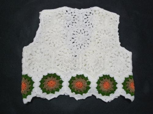 手編みニットベスト