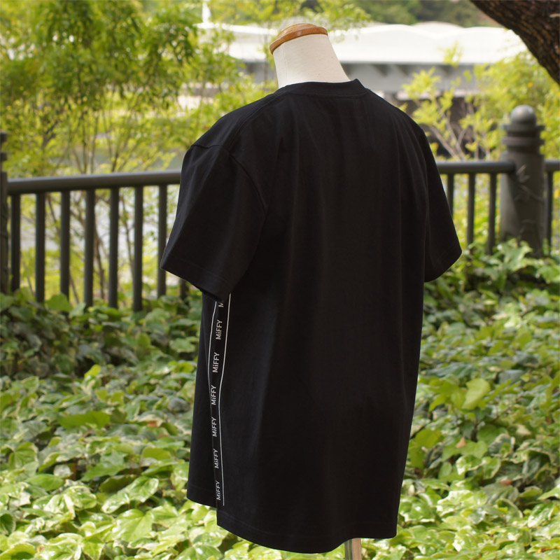 [MF-6128] 半袖Tシャツ ミッフィー サイドライン ブラック [miffy][Dick Bruna]