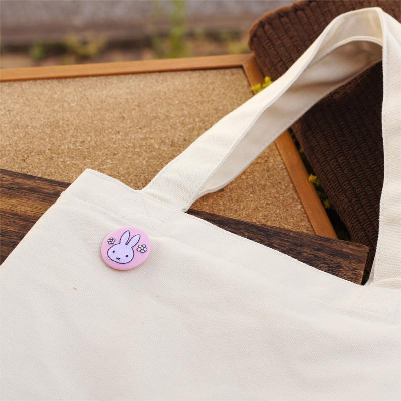 [D02B1278] Dick Bruna 刺繍ブローチ ミッフィーお花 [miffy][Dick Bruna]