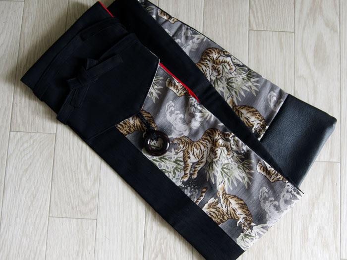 剣道 竹刀袋 剣道具竹刀袋(3本入り)■ 虎 ■(合皮・黒)  小室久美子