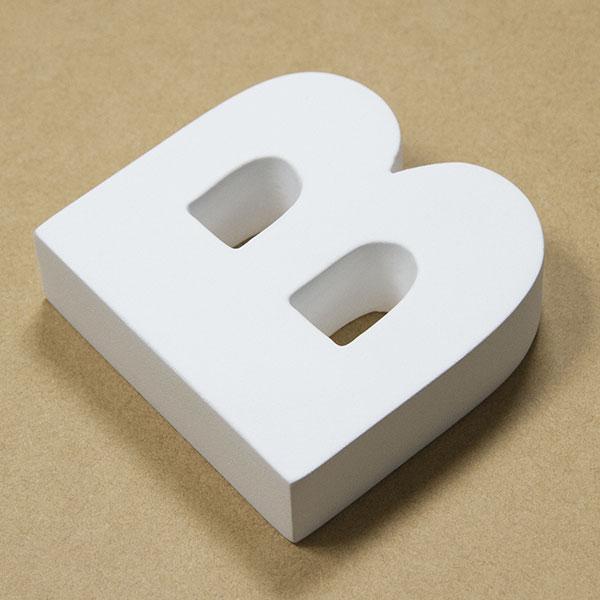 【NFRC0B-SMALL】 アルファベットオブジェ FRP製 B 小 75×77×22mm