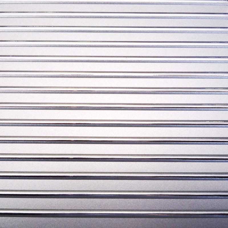 【NDCB005】壁面装飾パネル ABS樹脂製 サンプロント シルバー 裏面シール有り 2800×1000mm 。