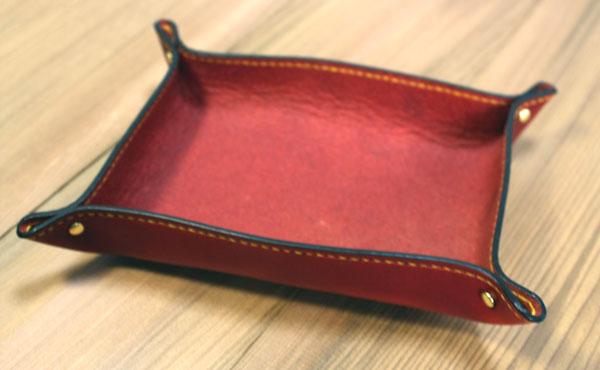 栃木レザー レザートレイ ソリッドブラス(レザー小物入れ)【オーダーメイド お好みの革色糸色選べます】