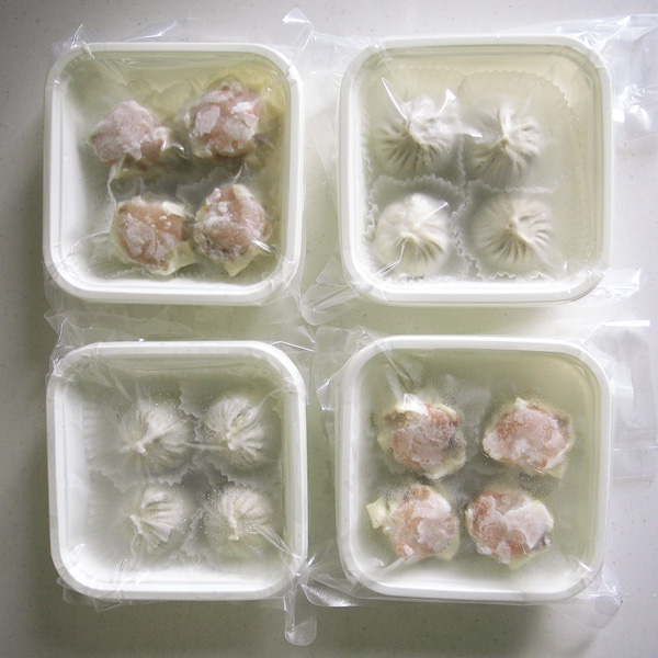 【宅配】特級点心師・陸少游手作り 特製小籠包と海老焼売(各8個16個入り)