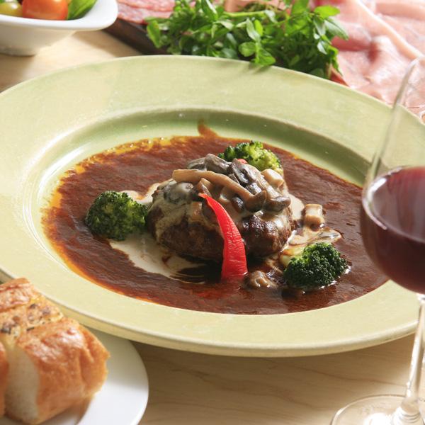和牛ビーフシチューと煮込みハンバーグ デミグラスと 茸クリームの2種セット(4食分)