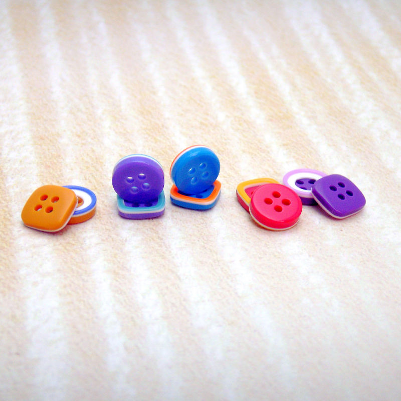 手作り大好きな人に元気の出る色のボタンセット