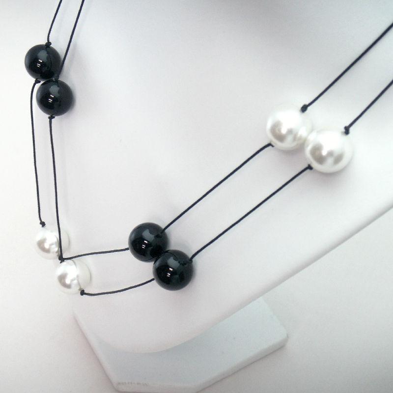 ホワイト&ブラックパールのネックレス