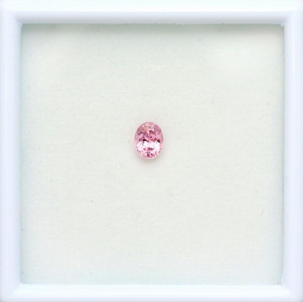 天然ピンクサファイア 0.78ct 【優しい桜色】 マダガスカル