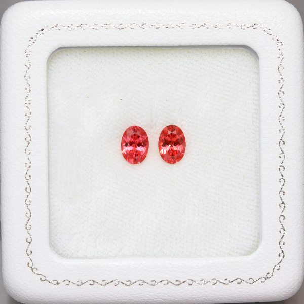 天然スピネル 1.80ct/2P 【レディッシュピンク】 美発色 ペア