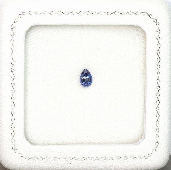 天然ベニトアイト 0.48ct 【煌めく美濃色ブルー】 ペアシェイプ
