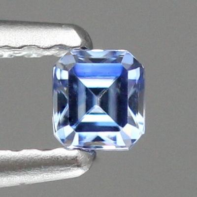 天然ベニトアイト 0.17ct 【輝くブルー】 オクタゴン ◇コレマ品