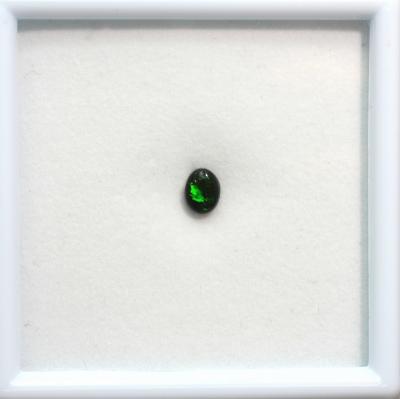 0.48ct天然ブラックオパール【グリーン&レッド】黒生地