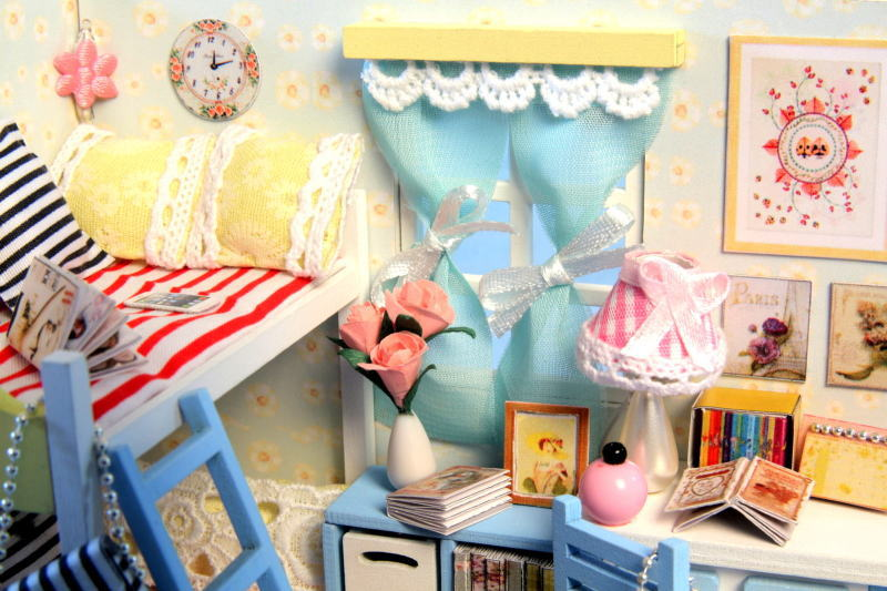 ミニチュアキット 子供の頃の思い出 [D014] ドールハウス 組み立てDIYキット(パーツは塗装済み) [m-s]【 ネコポス不可 】