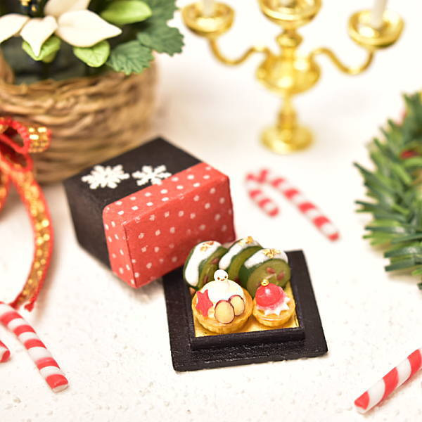 Xmas ミニチュアフード 雪だるまとサンタのクリスマススイーツ和BOX [品番:33888] [ミニチュア作家 京都まめひろ×コラボ商品] 1/12スケール[m-s]【ネコポス配送対応】【C】