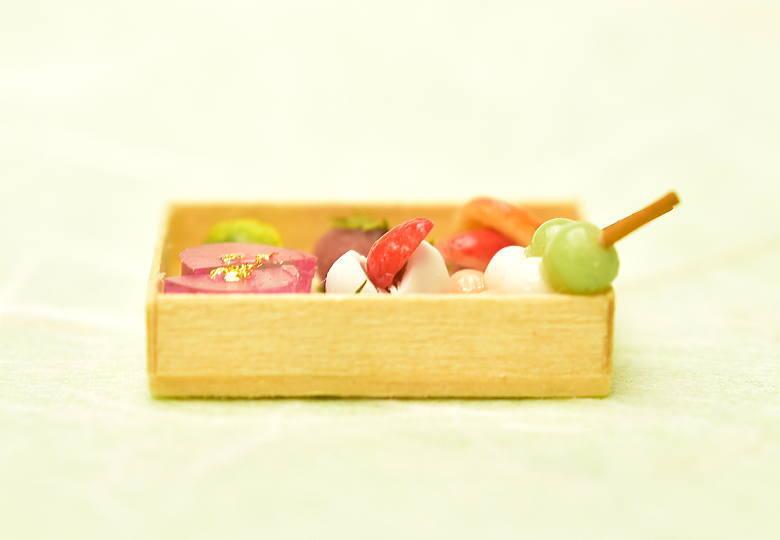 【送料無料】ミニチュアフード 春の和菓子詰合せ [品番:34940] [ミニチュア作家 京都まめひろ ミニチュアマーケット限定販売] [m-s]【 ネコポス不可 】【C】※食べ物ではありません