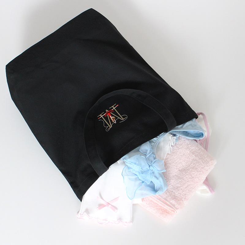 イニシャル刺繍入りトートバッグ