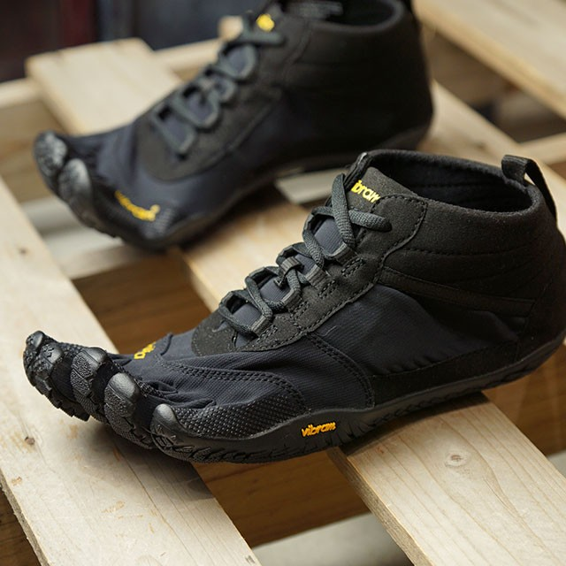 【送料無料】ビブラムファイブフィンガーズ Vibram FiveFingers 5本指シューズ ハイキング トレッキング用 V-TREK [19M7401 SS20] メンズ ベアフットスニーカー 靴 Black / Black ブラック系