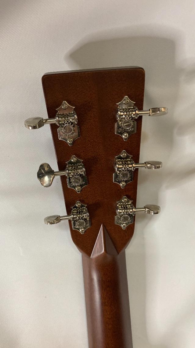 u46759 Martin [HD-28V] 中古 フォークギター 良好 2004年製