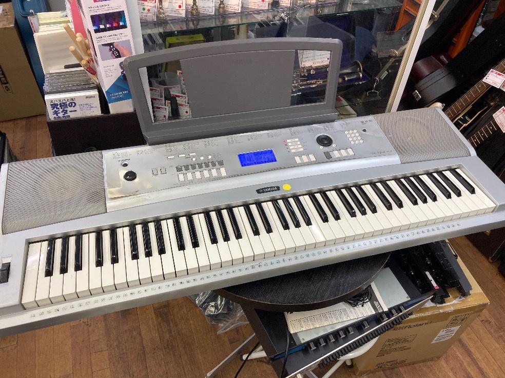 u45765 YAMAHA [DGX-220] 76鍵盤 中古 キーボード 動作ok 使用感あり