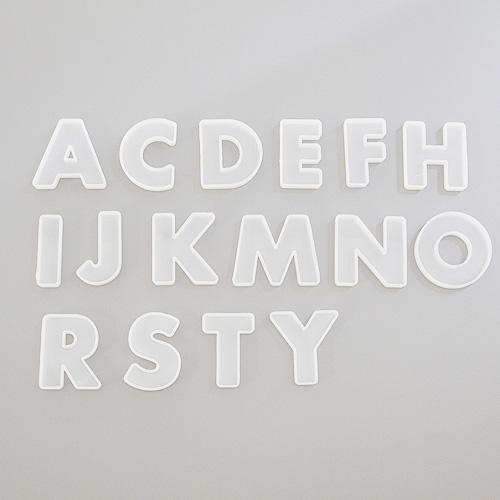 スタイルセッティングシリコン型モールド アルファベット16個セット