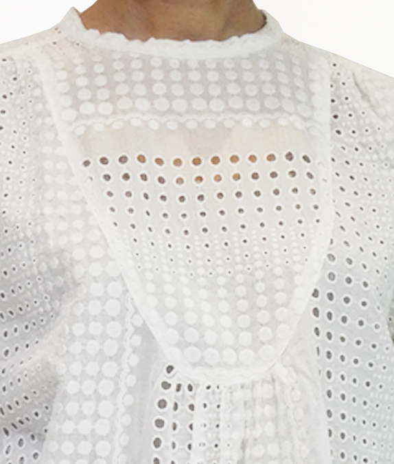 綿ローンのアイレット スモック的プルオーバー