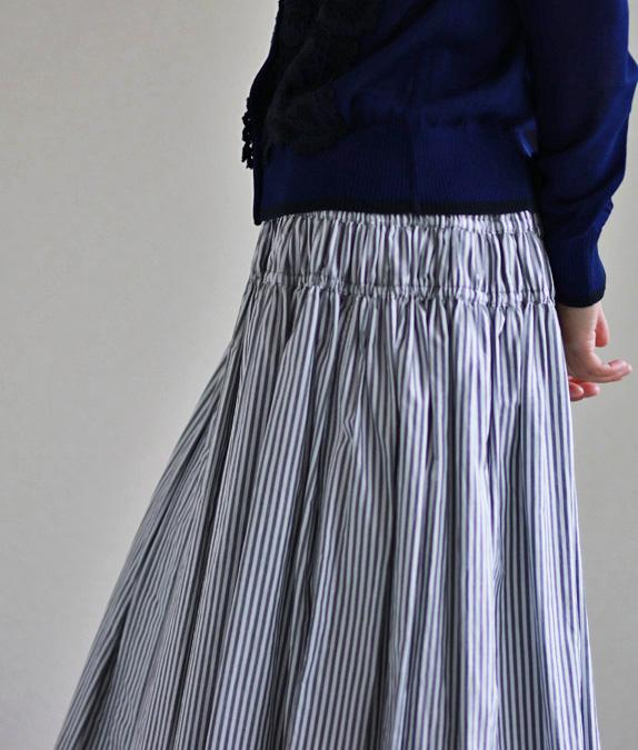 ギャザーたっぷりスカート