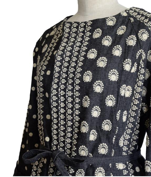 ラクナウ刺繍思わせるコットンコート